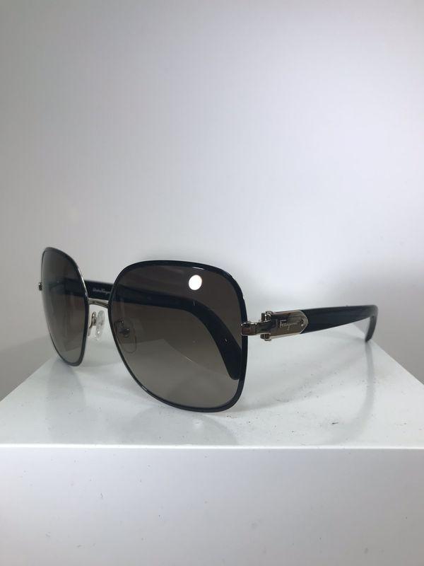 3b6f6395bcb Ferragamo Eyewear Sunglasses for Sale in Los Angeles