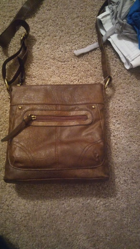 New Cross over purse for Sale in Lakeland, FL - OfferUp