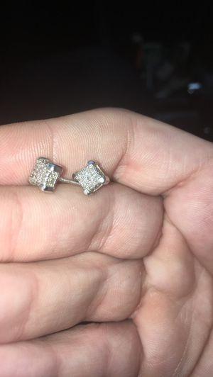 1/4 diamond earrings for Sale in Troy, MI