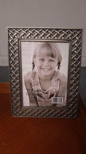 5x7 Picture frame. Silver pewter. Cuadro de foto. for Sale in Miami, FL