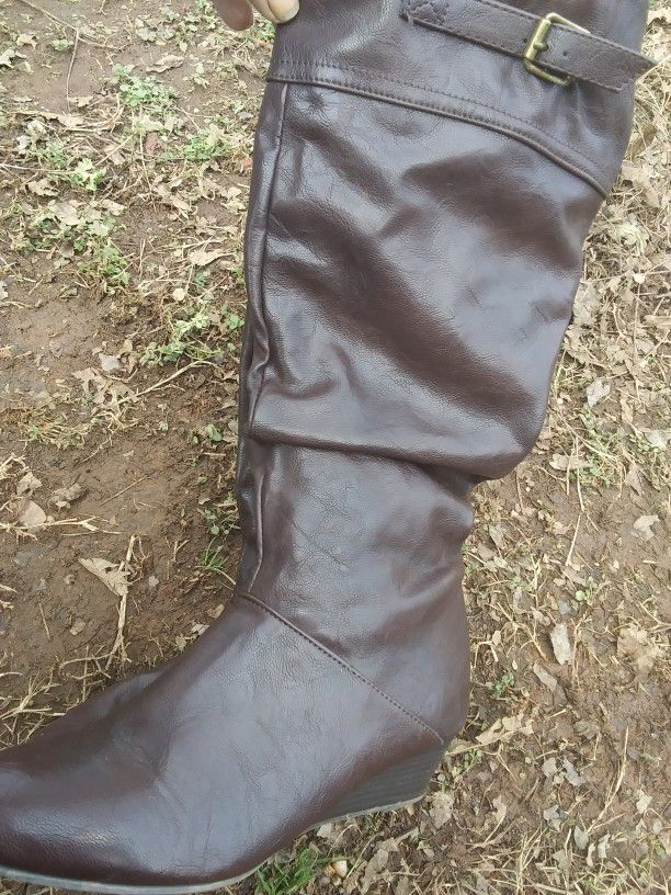 6 PAIRS BOOTS
