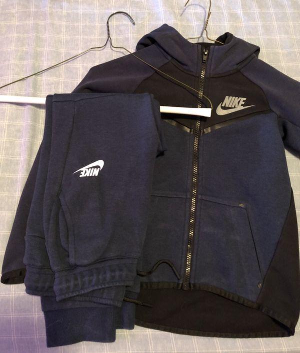 095778bd736a Navy Blue Nike Tech Suit Sz 7 Kids for Sale in Queens