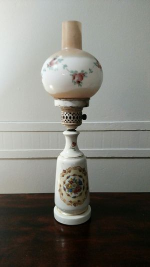 Antique lamp for Sale in Clayton, NC