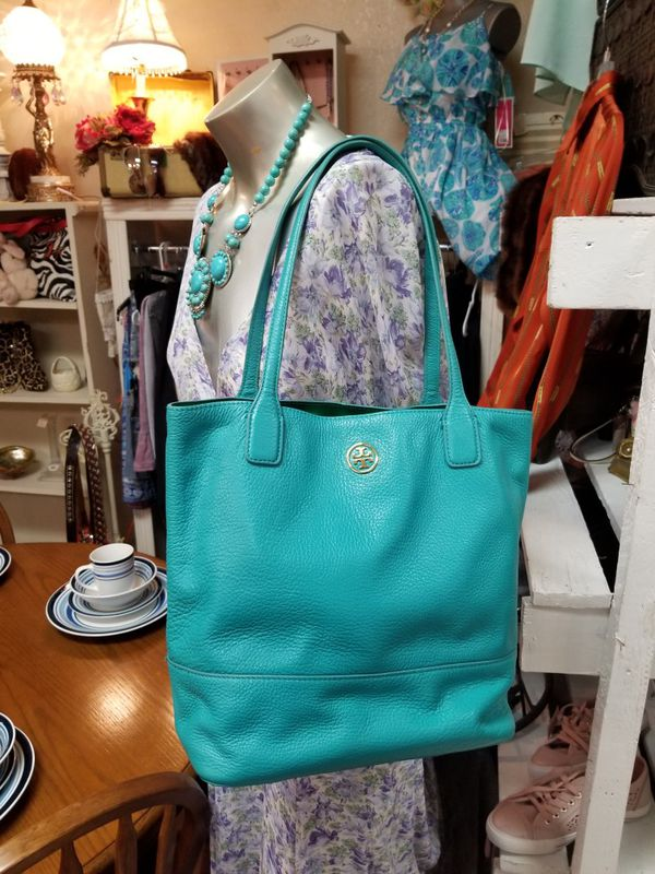 ad68f2414567 Tory Burch preowned in good condition for Sale in McAllen, TX - OfferUp