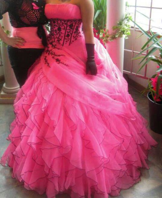 64b6ac9ac46 Quinceanera or sweet 16 dress one of a kind ..only used once paid  800 will let  go for  400