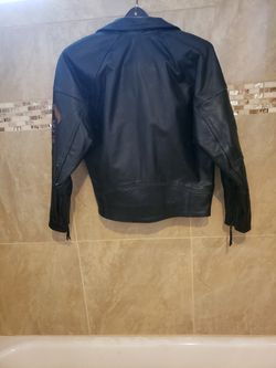 Womens Harley Owners Jacket. It's a VINTAGE STYLE fully insulated Jacket. BEAUTIFUL-NEVER WORN. Costs $800 at the Harley dealerships.  Original Tag Thumbnail