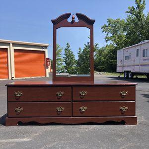 Lowboy Dresser for Sale in Woodbridge, VA