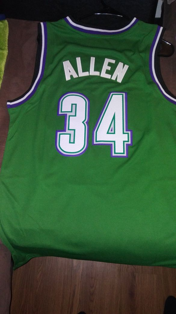 33a981a63 New w Tags Ray Allen Retro Milwaukee Bucks Jersey! for Sale in Hampton