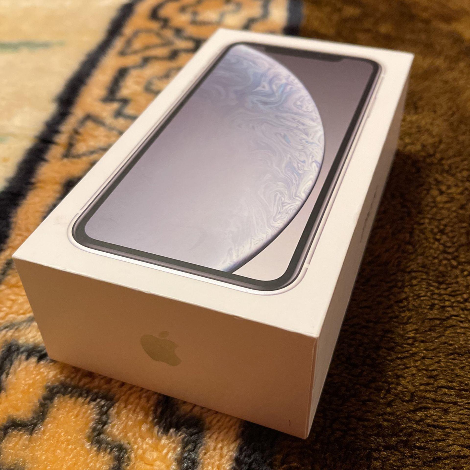 Iphone XR 128Gg Empty Box..