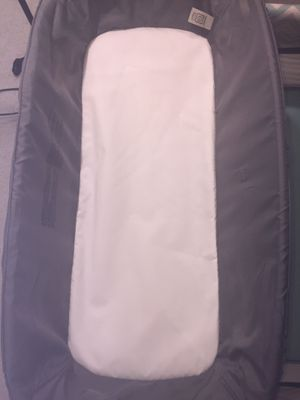 Pack n Play bassinet w/changing table for Sale in Falls Church, VA