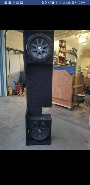 Kicker compvr 10s in custom box for Sale in Visalia, CA