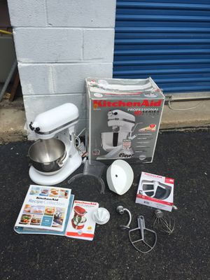 Kitchen aid professional series mixer with accessories for Sale in Arlington, VA