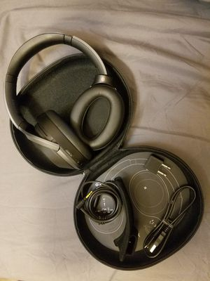 Sony noise cancelling headphones WH1000XM2 for Sale in Arlington, VA
