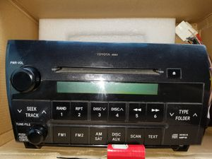 Radio 4 Toyota tundra 2010 CD player for Sale in Philadelphia, PA