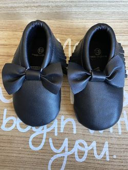 Black moccasins Thumbnail