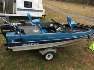 Photo 1989 Bayliner trophy bass boat with trailer