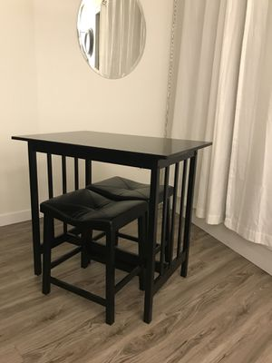 BRAND NEW- SMALL DINING TABLE for Sale in Seattle, WA