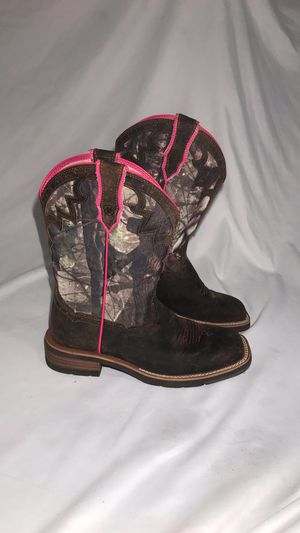 1c08f7683b1 New and Used Pink boots for Sale in Garland, TX - OfferUp