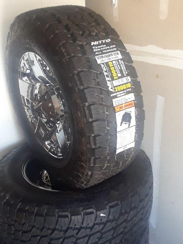 18x9 6 5 8 Lug New Rock Stars On New 285 65r18 Nitto Grappler Tires