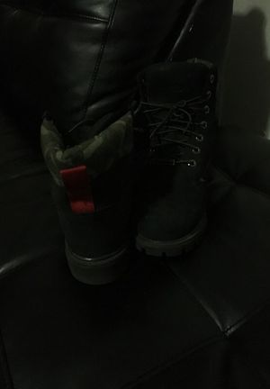 Camouflage Timberland 81/2w for Sale in Miami, FL