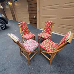 Mid Century Modern Wicker Rattan Dining Table/ Coffee Table  30x30x26toll.in Perfect Condition  Thumbnail