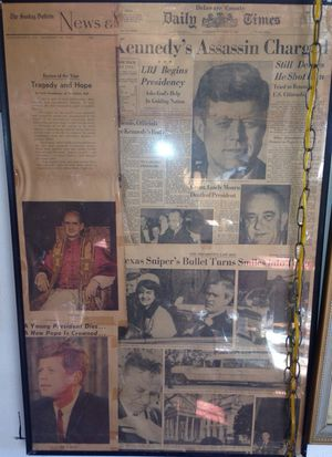 Collection of John F. Kennedy newspaper clippings very old for Sale in Tampa, FL