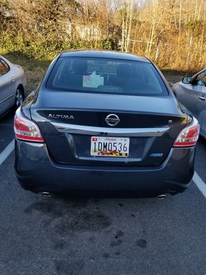 2014 Nissan altima(title salvage) for Sale in Suitland, MD