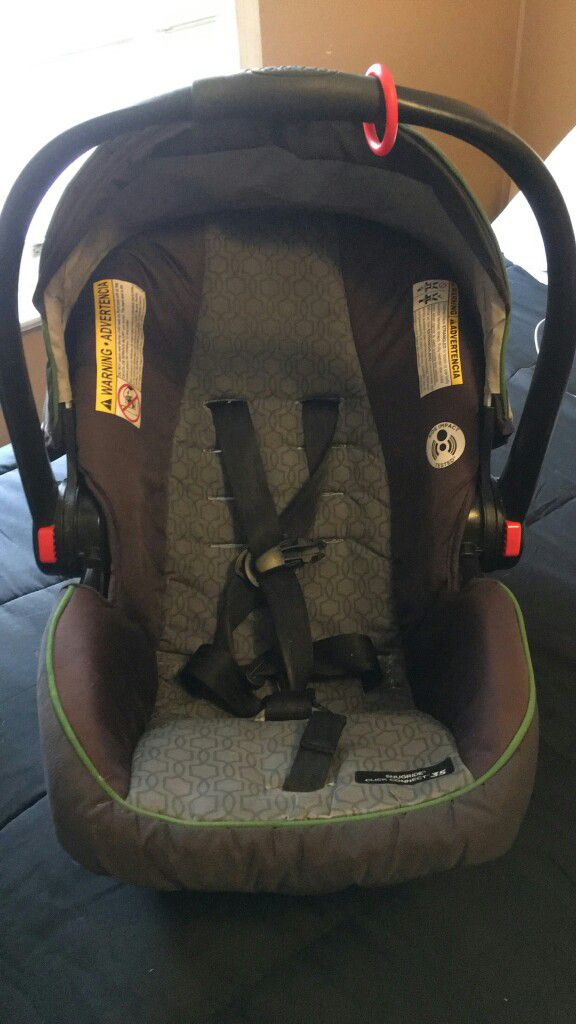 Graco Click Connect Car Seat For Sale In York PA