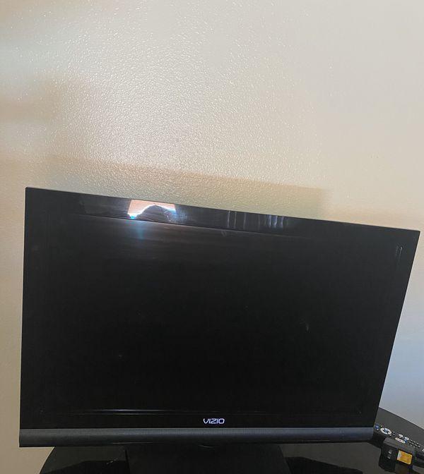 Vizio 39 Tesla TV for Sale in Tempe, AZ - OfferUp