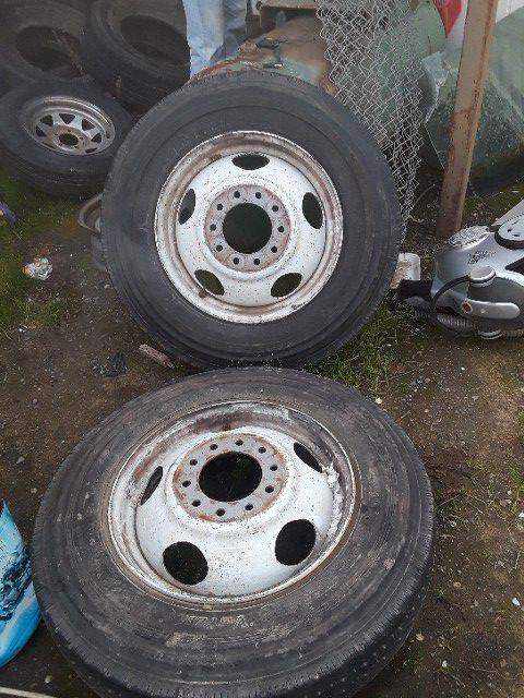 Truck Wheels And Tires >> Big Truck Wheels Tires For Sale In Modesto Ca Offerup