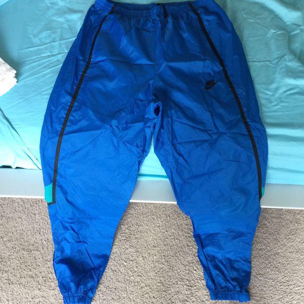 nike vintage wind pants for Sale in Houston, TX - OfferUp