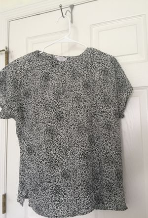 Ladies top for Sale in Kissimmee, FL