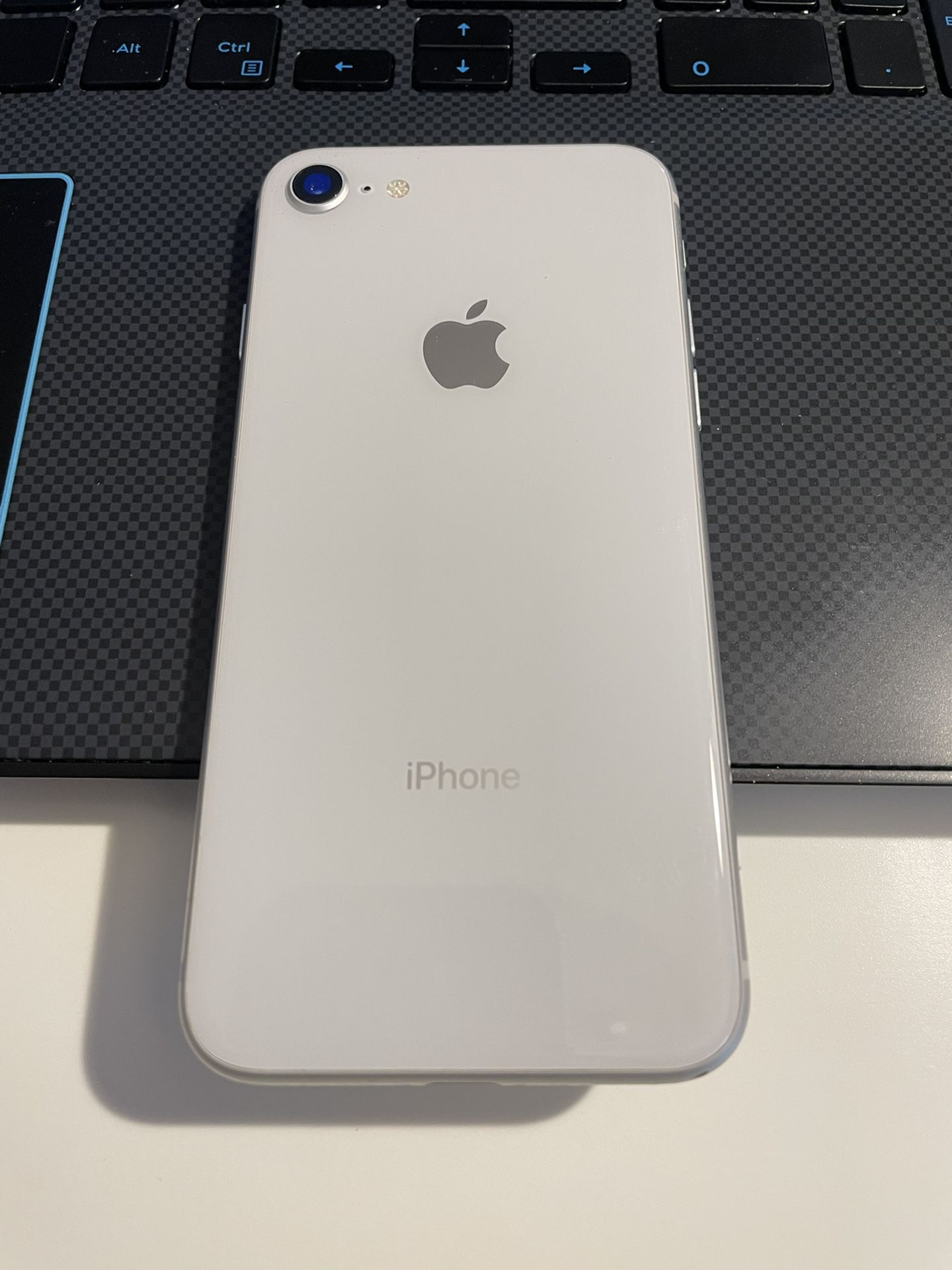 iPhone 8 Excellent Condition