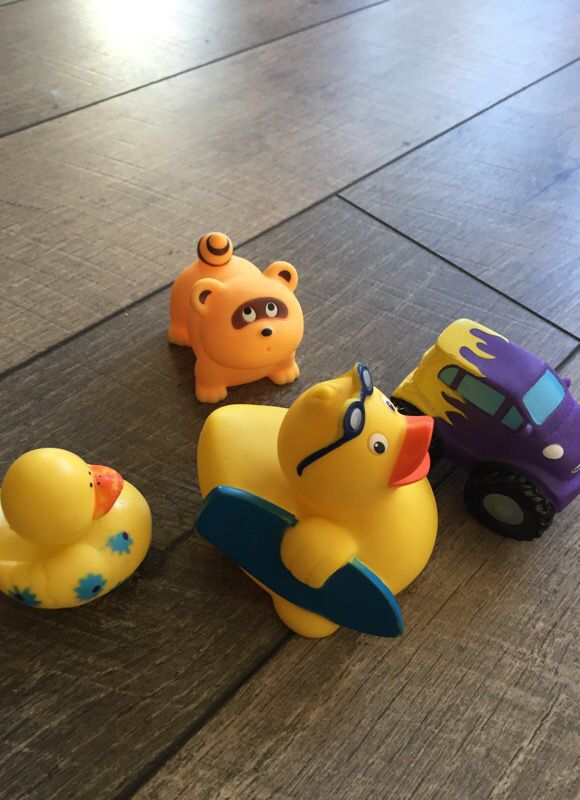 Rubber ducky and other bath toys for Sale in Pacifica, CA - OfferUp