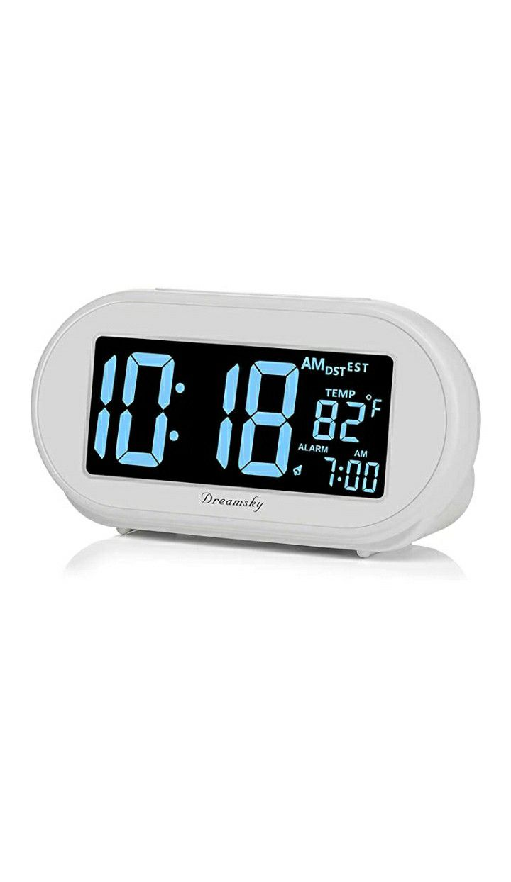 Auto Time Set Alarm Clock with Snooze and Dimmer,Charging Station/Phone Charger with Dual USB Port .Auto DST Setting,4 Time Zone Optional