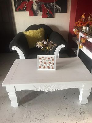 Coffee table and end table for Sale in Miami Gardens, FL