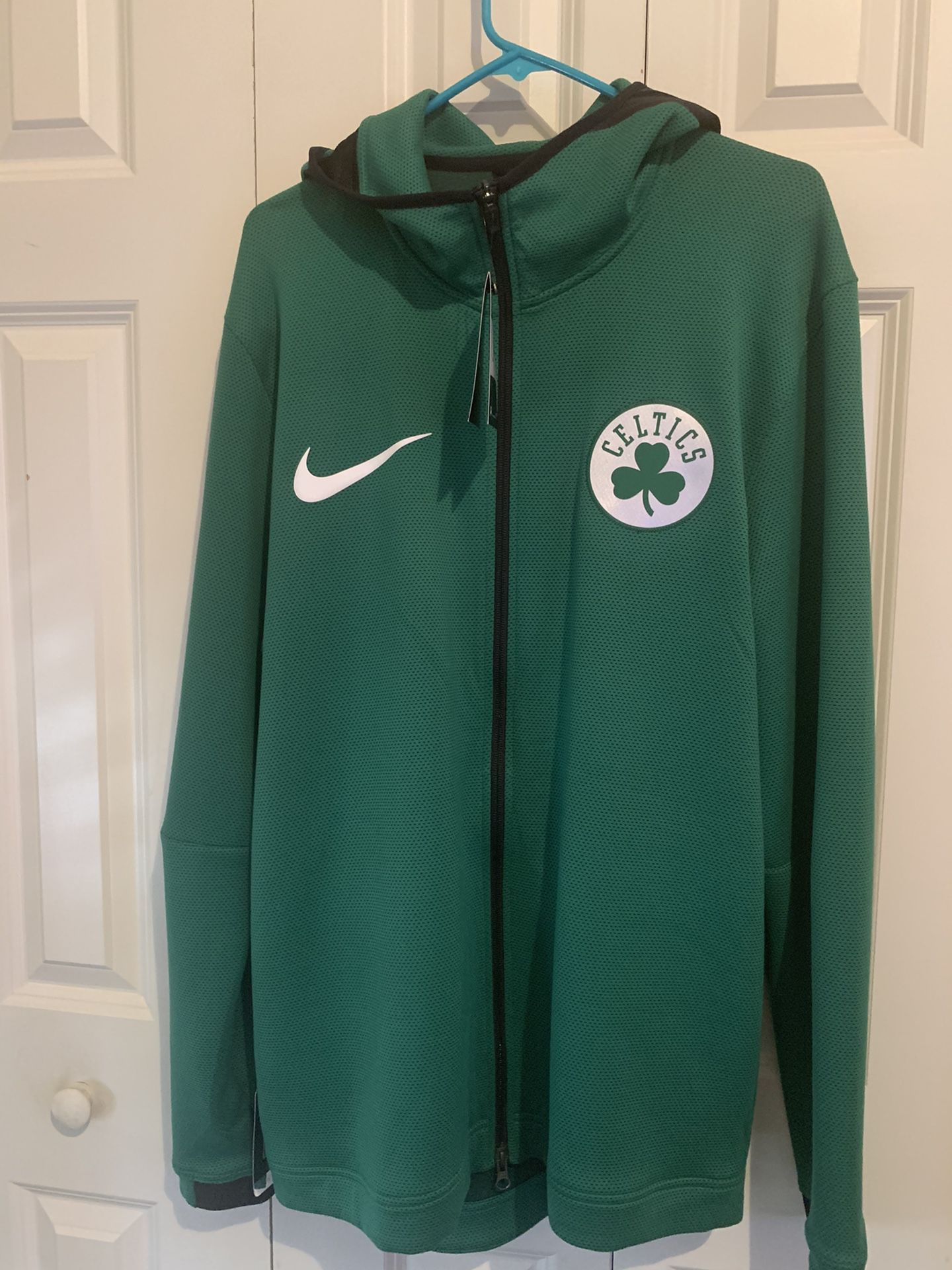 Nike Celtics Warm Up Hoodie (XL)