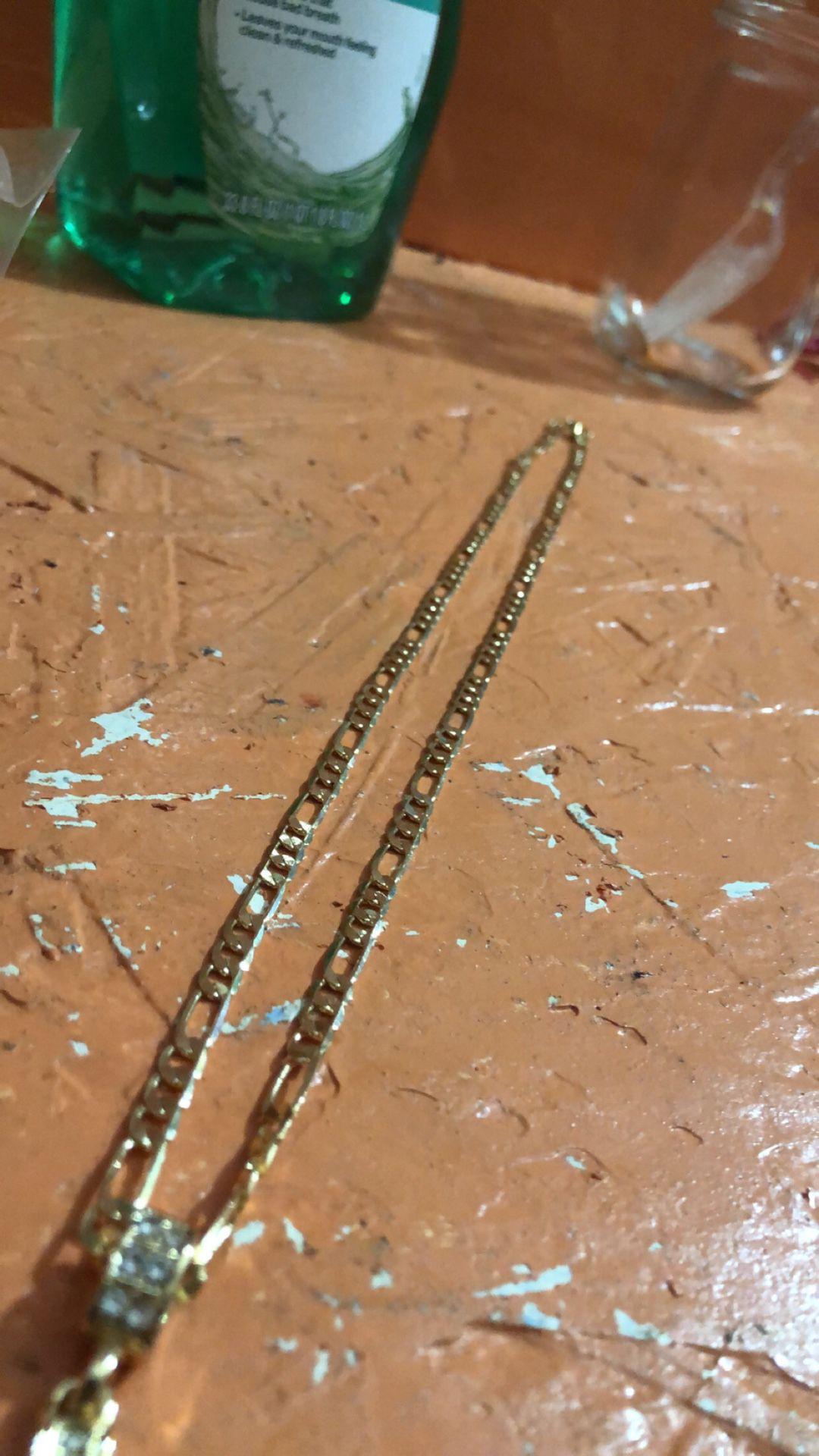 10k Gold Fígaro Chain Wit Cross Pendant