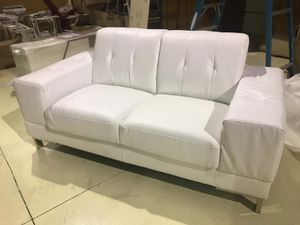 Set 2 pieces Sofa and Love Seat White for Sale in Hialeah, FL
