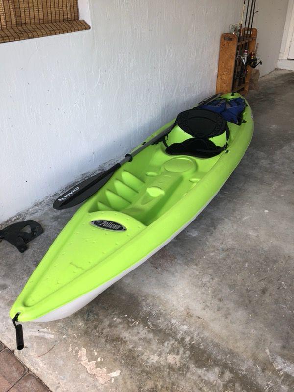 Pelican Stinger 100X Kayak for Sale in Miami, FL - OfferUp