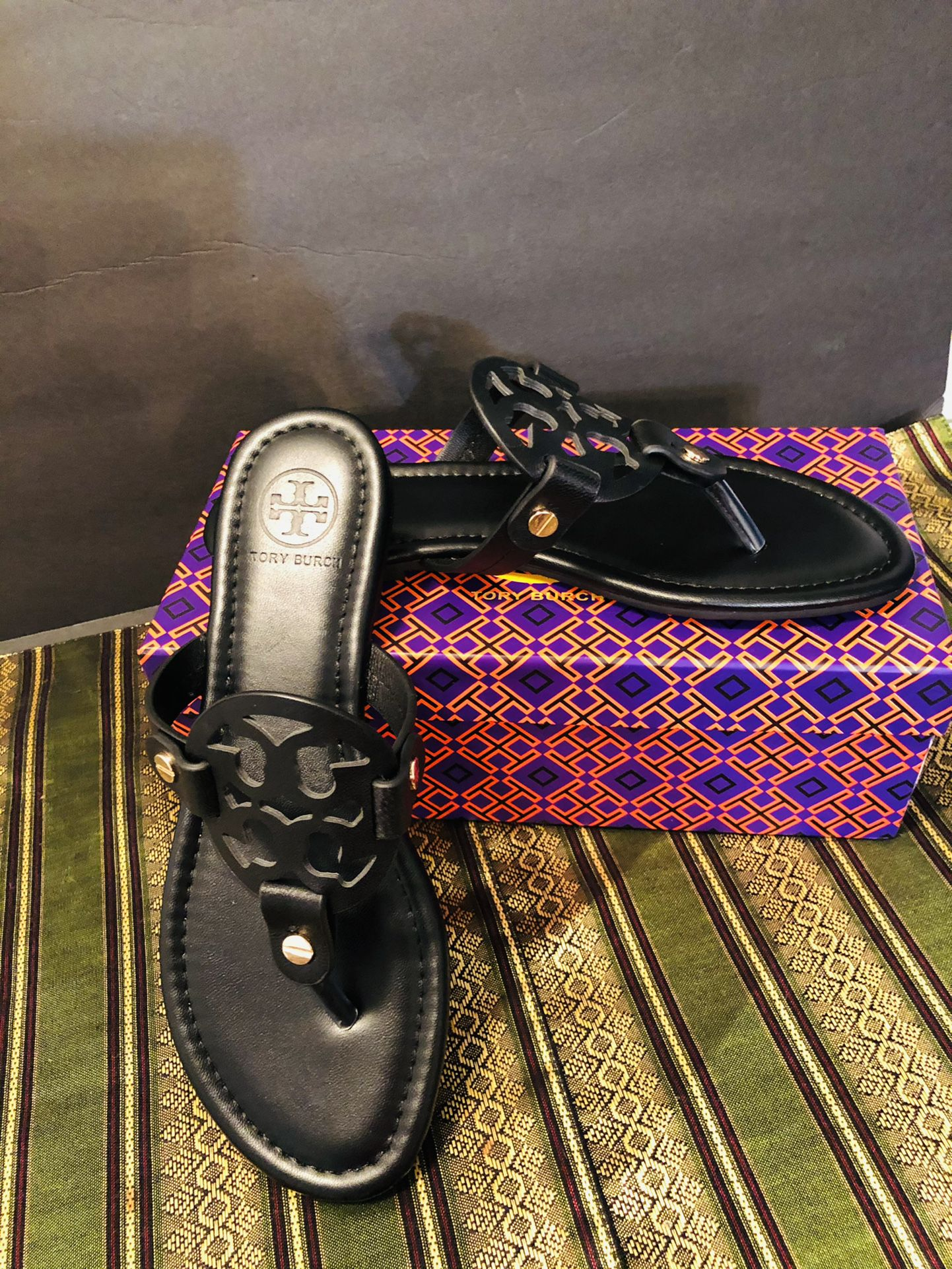 Tory Burch  Black  Leather Size 5