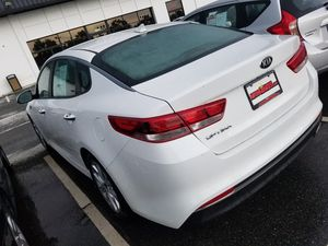 2017 Kia Optima clean Carfax 1-owner beautiful condition for Sale in Manassas, VA