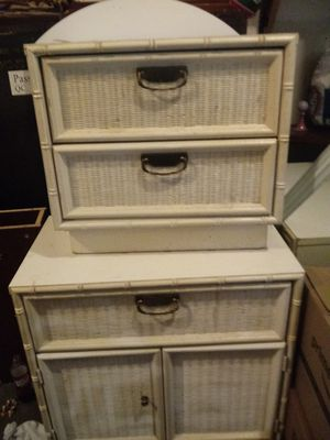 3 Dressers and a mirror for Sale in Tulalip, WA