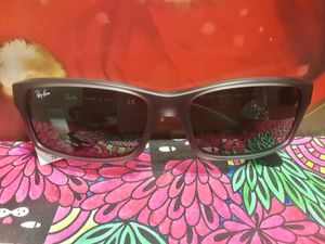 Ray Ban Sunglasses for Sale in Temple Hills, MD