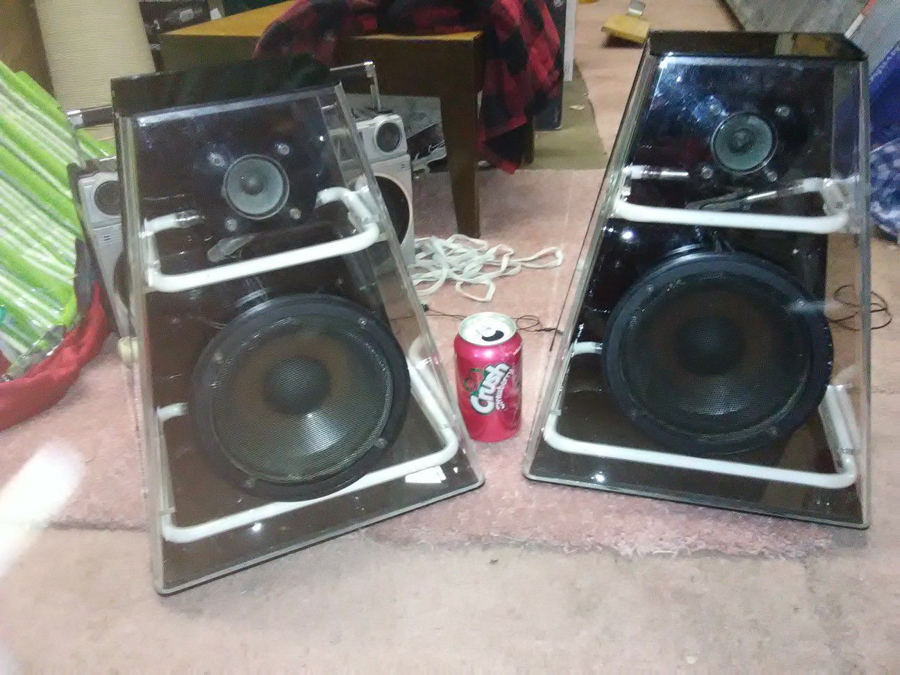 Stereo speakers with neon lights inside