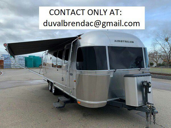 Photo ndtys2015 Airstream Flying Cloud 28 Camping Trailer RV