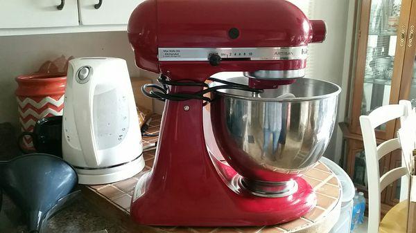 Kitchenaid mixer 4.5 quart for Sale in Tumwater, WA - OfferUp