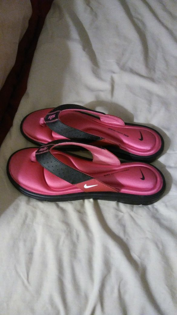 251f0c2f170b Pink and black nike sandals Size 10 for Sale in Cape Coral