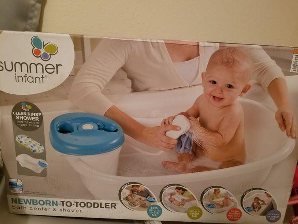 Newborn to toddler bath center & shower for Sale in Lockhart, FL ...