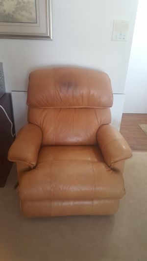 Recliner for Sale in Dunn Loring, VA